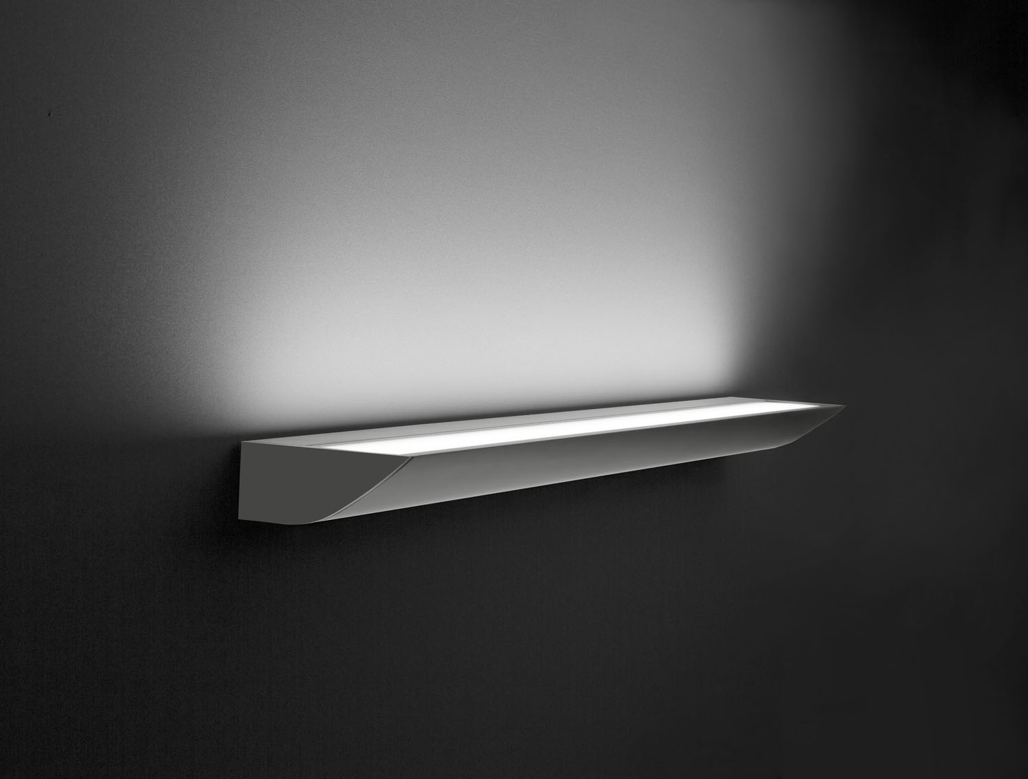 LED-118   LED mordern energy efficient wall lamp for residential, corridors and architectural use.High lumen, strobeless,glare free