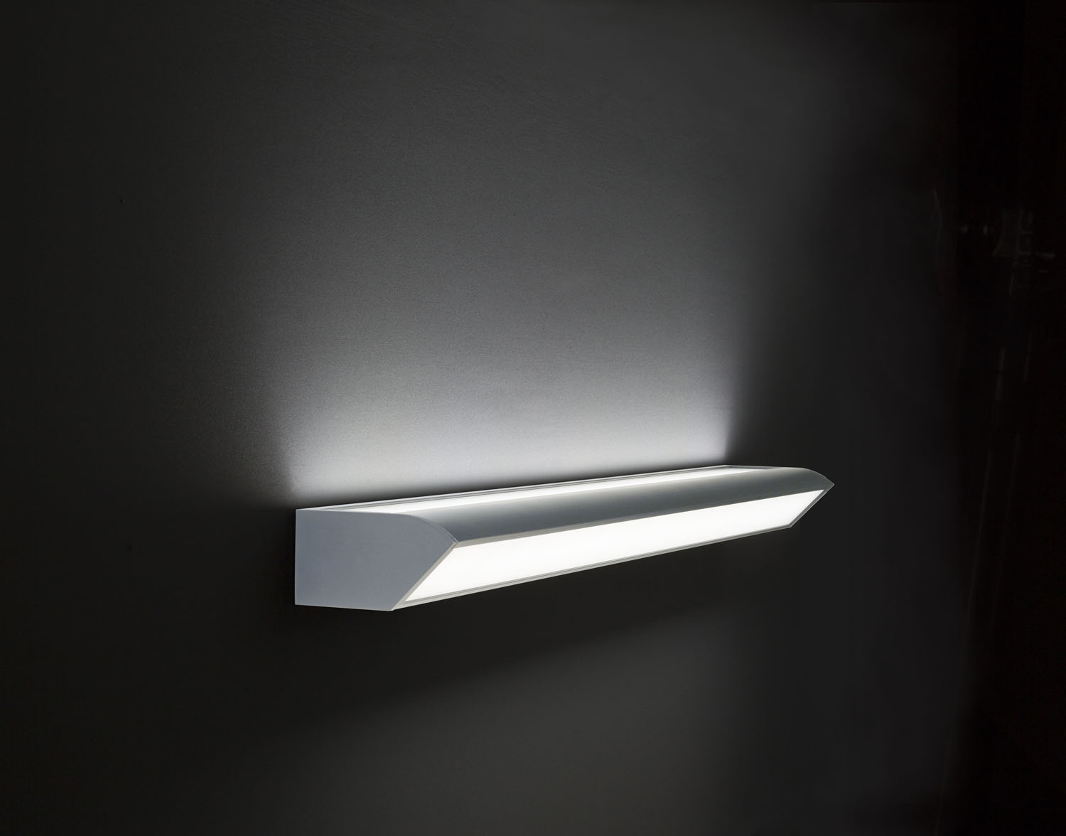 LED-121-WALL only down light,  modern design, for hospital and architectural use.High lumen, strobeless,glare free